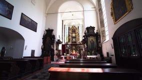 Kirche des Heiliger Geist   Prag stock footage