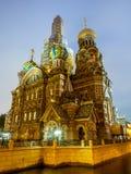 Kirche des Retters auf Spilled Blut am Abend, Russland lizenzfreie stockfotos