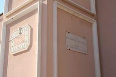 Kirche des Saint Nicolas, Detail, Fontvieille, Fürstentum Monaco (23. August 2014) Stockbilder