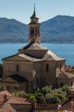 Kirche in Dorf Cannero Riviera am See Maggiore lizenzfreie stockfotografie