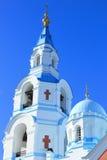 Kirche an einem sonnigen Tag Stockfotografie