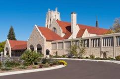 Kirche Front Exterior und Turm Stockfoto