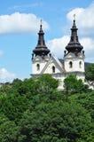 Kirche gegen den Himmel Lizenzfreie Stockfotos