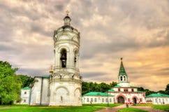 Kirche-Glockenturm von St George in Kolomenskoye Stockbilder