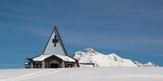 Kirche im Berg Stockbilder