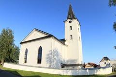 Kirche im Dorf Smizany in Slowakei Stockfoto