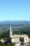 Kirche im französischen Dorf Stockfotos