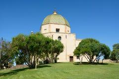 Kirche im Hügel Stockfotografie