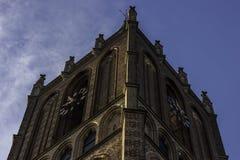 Kirche im Morgensonnenschein Stockfotos