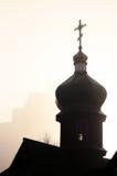Kirche im Nebel Lizenzfreie Stockbilder