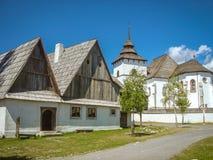 Kirche ir-Dorf Stockbild