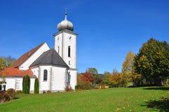 Kirche Mariae Himmelfahrt in Klaffer morgens Hochficht, Österreich Lizenzfreies Stockfoto
