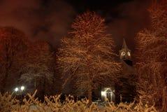 Kirche nachts Stockfotos