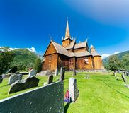 Kirche in Norwegen am sonnigen Tag Lizenzfreie Stockbilder