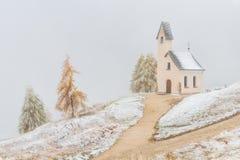 Kirche Passo Gardena lizenzfreie stockfotografie