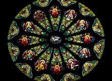 Kirche Rosen-Buntglas-Fenster-Str.-Peter Paul Stockfotos