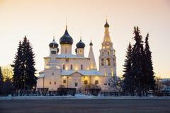 Kirche in Russland an der Winterdämmerung yaroslavl lizenzfreies stockfoto