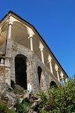 Kirche-Säulengang Lizenzfreie Stockfotos