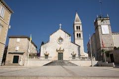 Kirche Str.-Peters in Supetar stockfotos