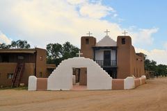 Kirche in Taos-Pueblo, New Mexiko Lizenzfreies Stockfoto