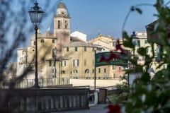 Kirche und Glockenturm in Camogli, Ligurien, Italien Lizenzfreie Stockfotos