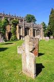 Kirche und Grabsteine, Campden abbrechend Lizenzfreie Stockfotografie