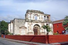 Kirche und Schule der Gesellschaft von Jesus Stockbilder