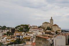 Kirche von Cadaques, Katalonien, Spanien lizenzfreie stockfotos