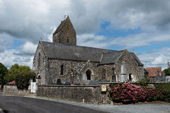 Kirche von Canville-La-Rocque, Manche, Frankreich Stockfotografie