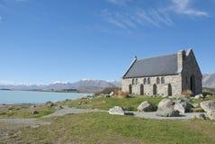 Acient Kirche an der Seefront Lizenzfreies Stockfoto