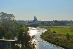 Kirche von Elija der Prophet auf Ilyinsky-Wiese in Suzdal, Russland Stockfotografie