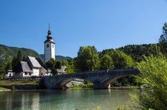 Kirche von Johannes Baptist Bohinj Slovenia Lizenzfreie Stockfotografie