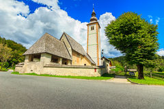 Kirche von Johannes der Baptist, nahe Bohinj See, Slowenien Lizenzfreie Stockfotos