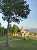 Kirche von Prinzen Lazar in Serbien stockfotos
