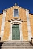 Kirche von Roussillon Lizenzfreie Stockfotos