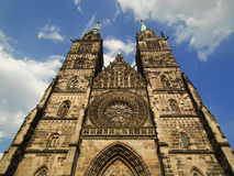 Kirche von St Lawrence im Bayern lizenzfreie stockfotos