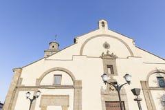 Kirche von St. Martin Bishop in Stadt Sans Martin de Valdeiglesias stockbild