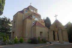 Kirche von St. Sarkis bei Sonnenaufgang in der Erholungsortregelung von Adler, Sochi Lizenzfreie Stockfotos