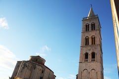 Kirche von Str Glockenturm-Kathedrale Zadar Kroatien stockbild