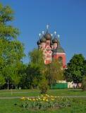 Kirche von Tikhvinskaya-Ikone Mutter des Gottes in Moskau stockfoto