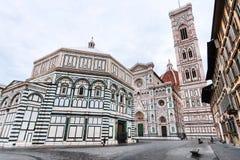 Kirchen auf Marktplatz San Giovanni am Morgen stockbilder