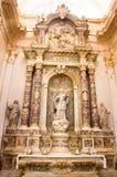 Kirchen-Innenraum in Dubrovnik, Kroatien Stockbilder