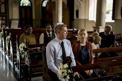 Kirchen-Leute glauben dem religiösen Glauben lizenzfreie stockfotografie