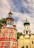 Kirchen in Troitse-Sergiyeva Lavra - Sergiev Posad Stockbilder