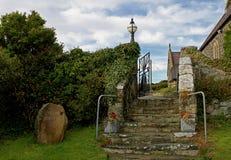 Kircheneingang, Rhoscolyn, Anglesey, Wales Stockbild