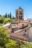 Kirchenglocke-Turm-Moustiers Sainte Marie, Frankreich lizenzfreie stockfotos