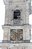 Kirchenglockekontrollturm mit Borduhr Stockbild