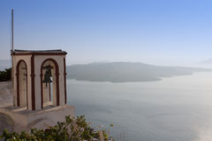 Kirchenglocken auf Santorini Lizenzfreie Stockfotografie