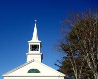 Kirchenkirchturm, Wetterfahne, Glockenturm Lizenzfreie Stockfotos