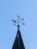 Kirchenkirchturm-Windschaufel stockbild